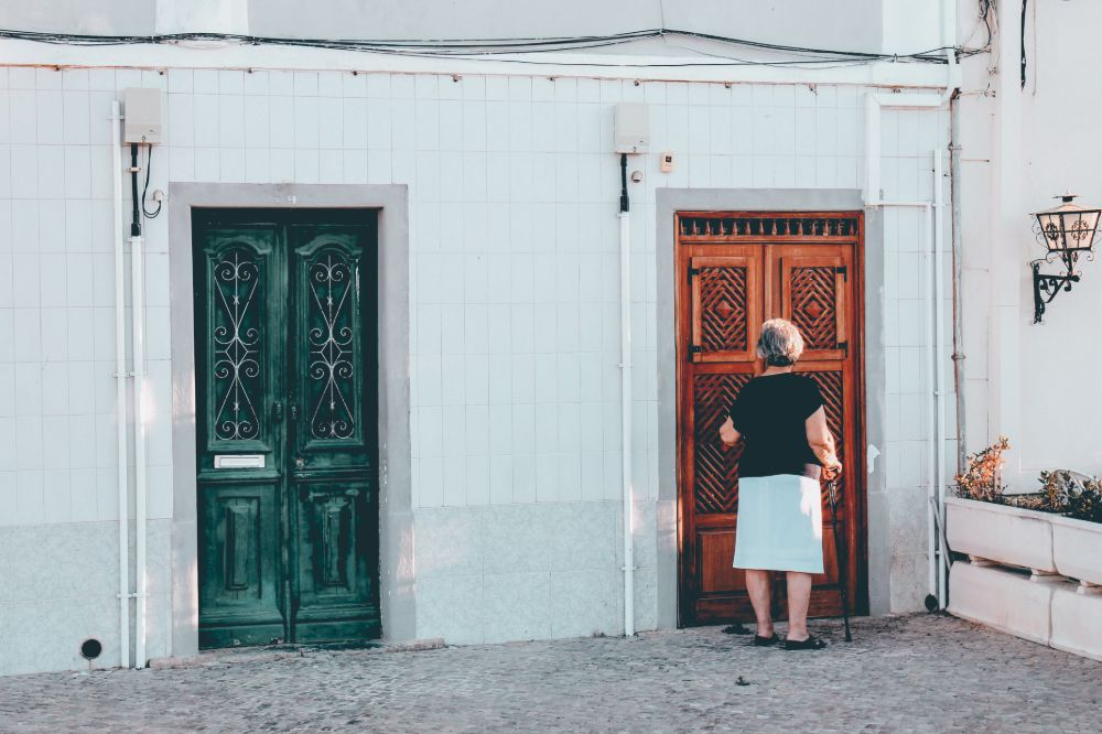 Consultation service to help you choose the right door